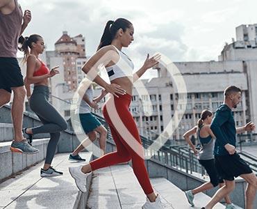 Groupe pratiquant une activité physique